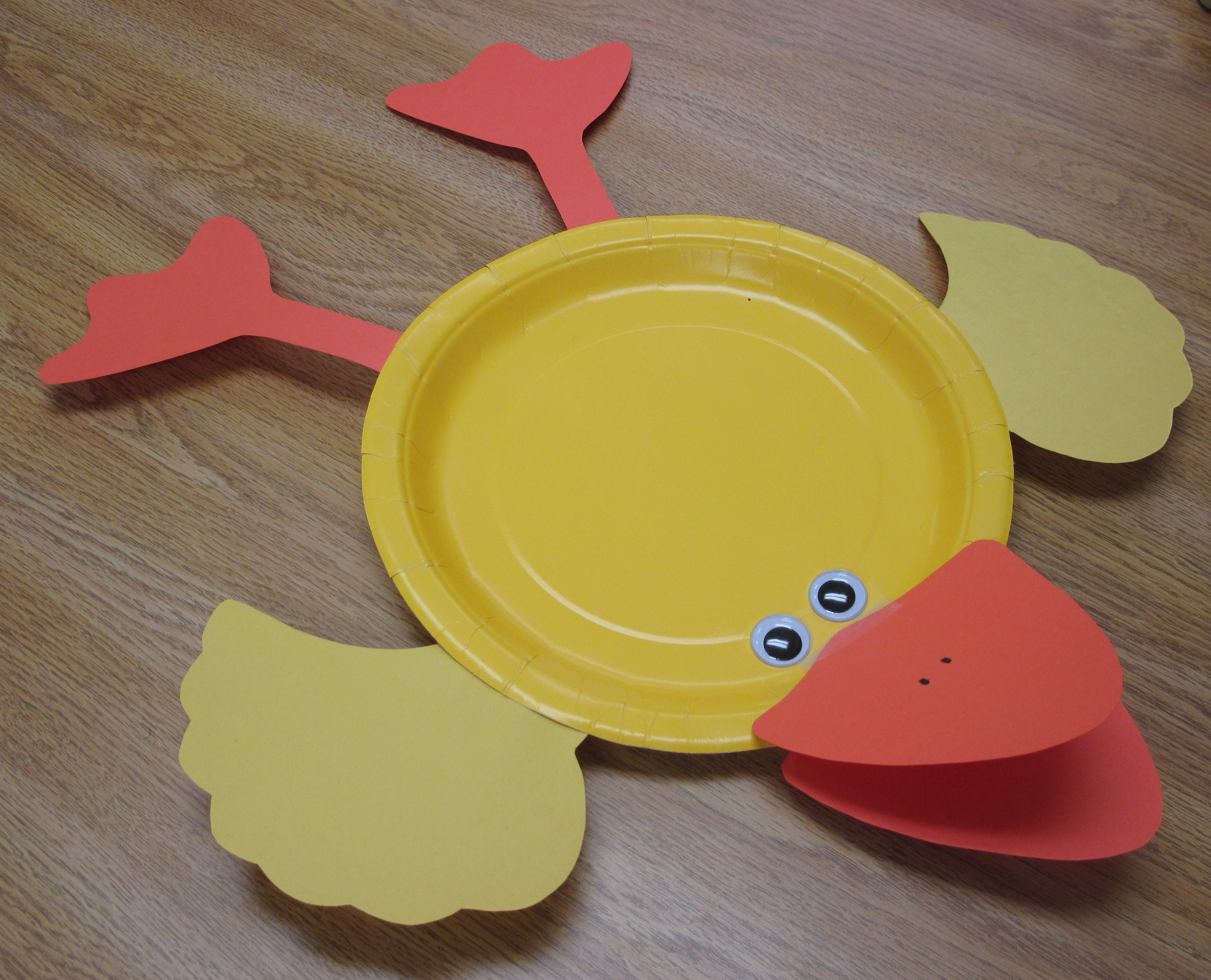 This is a simplified version of the paper plate duck found on Danielle