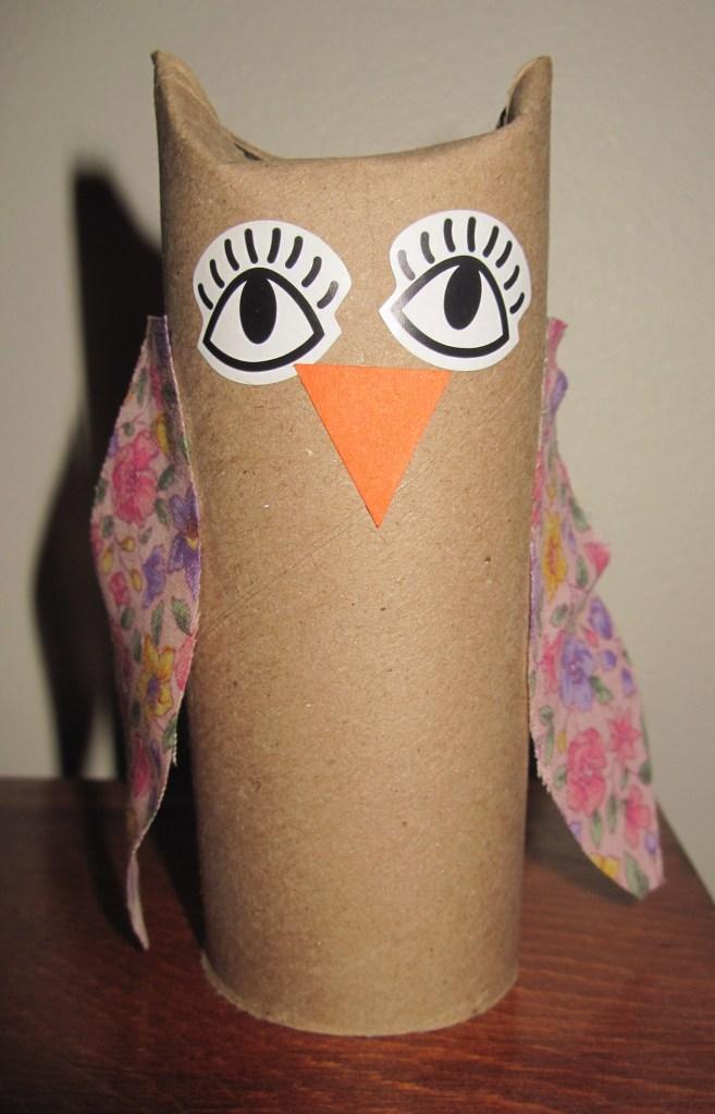 Owls sunflower storytime for Toilet paper tube owls