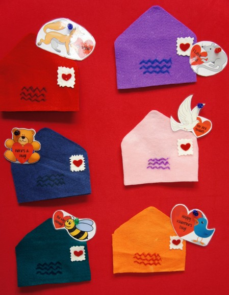 FLANNEL BOARD: Six Valentines