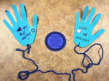 Mail-a-hug craft and free printable